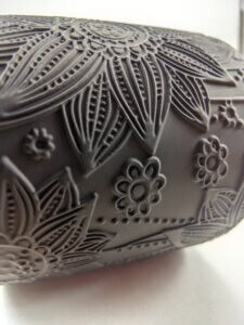 Hollyberry & Coriander Rosewood Flower Jar Side Detail Horizontal