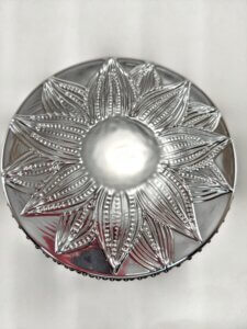 Frosted Juniper Flower Jar Lid Detail